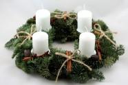 Advento vainikas su baltomis žvakėmis (KV04)